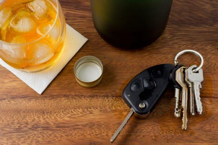 Alkohol Glas Autoschlüssel